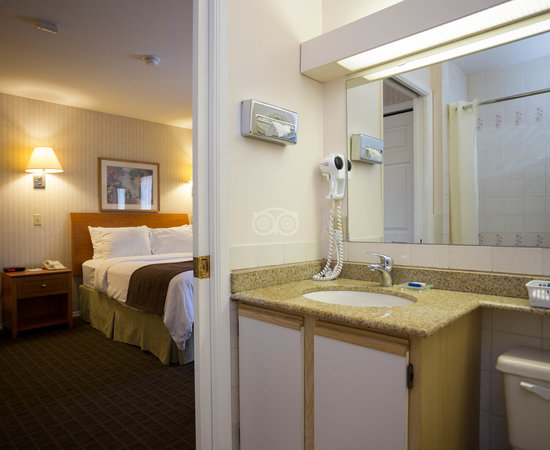 The One Queen Bed at the SureStay Hotel by Best Western North Vancouver