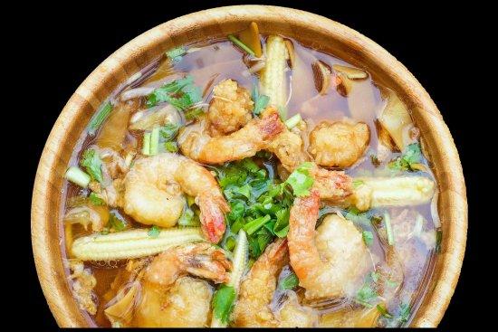 Merignac, Francia: Soupe Pkear aux crevettes