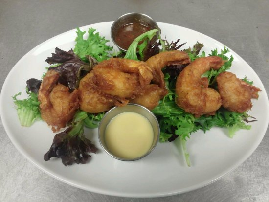 จอร์จทาวน์, เดลาแวร์: Brick Shrimp, lightly fried in a batter made with 16 Mile beer, our local brewery.