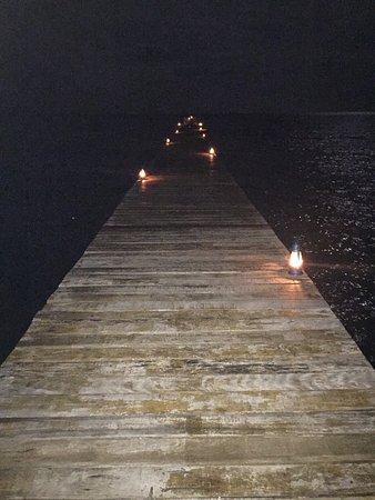 วานูอาเลวู, ฟิจิ: Dinner on the jetty