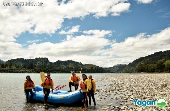 La Junta, Chile: Para quienes prefieren aguas más tranquilas, descender el río Palena es la mejores alternativa.