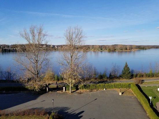 Le St-Christophe - Hotel & Spa: Vue sur le lac