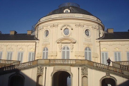 Schloss Solitude: Visitas guiadas em alemão ou a língua disponível com horários estabelecidos. A visita leva cerca
