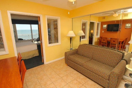 Ocean Sands Resort: All of our units are 1 bedroom suites that sleep 2 in the bedroom and 2 on the pull out sofa bed