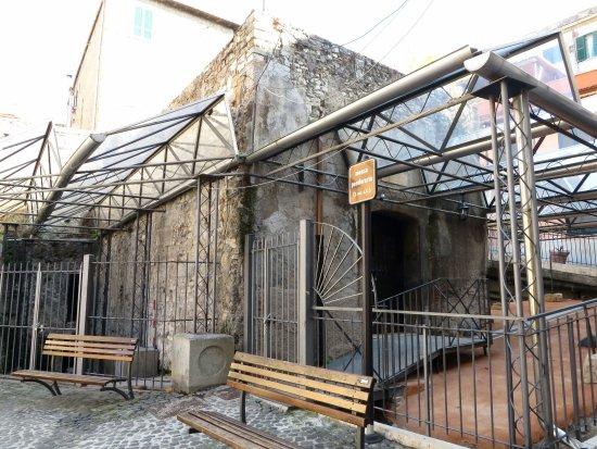 Tivoli, Italia: Ecco come si presenta esternamente la mensa Ponderaria