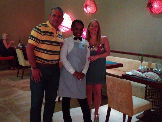 Secrets Royal Beach Punta Cana: Marleny, fue quien nos preparó en el Ocena, una cena especial. Gracias.