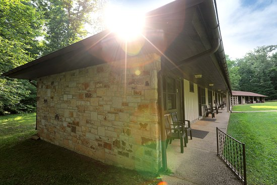 The Lodge at Mammoth Cave: Sunset Terrace