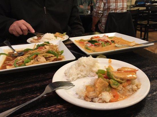 O'Fallon, IL: Great curry dishes.