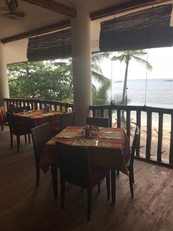 Restaurangen på Ocean Vida Beach & Dive Resort