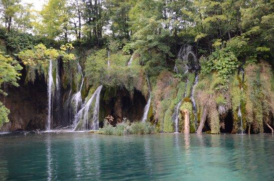 Plitvica, Hırvatistan: Grupa wodospadów Pevalekovi slapovi