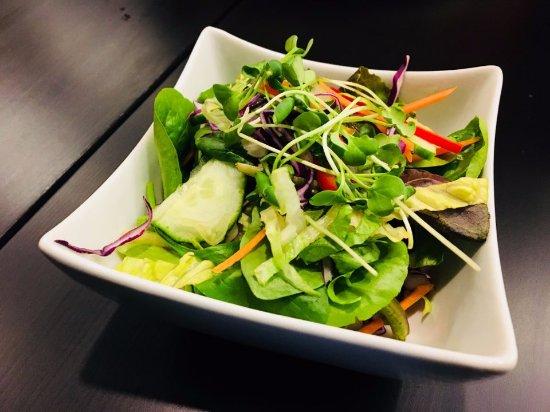 Dieppe, Canada: House Salad!!
