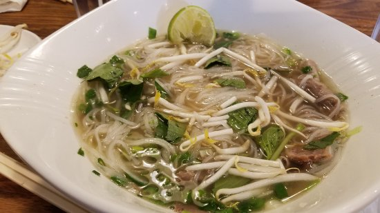 Pho d'Lite : Pho after adding sprouts, basil and mixing up the noodles & beef.