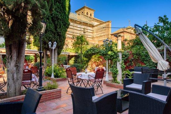 terraza zona chill out Picture of Jardines de Zoraya Granada