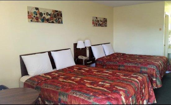 Houston, Миссури: Double Queen Beds