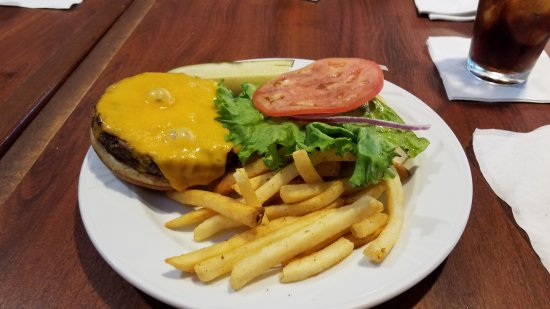 North Fort Myers, FL: A cheese burger