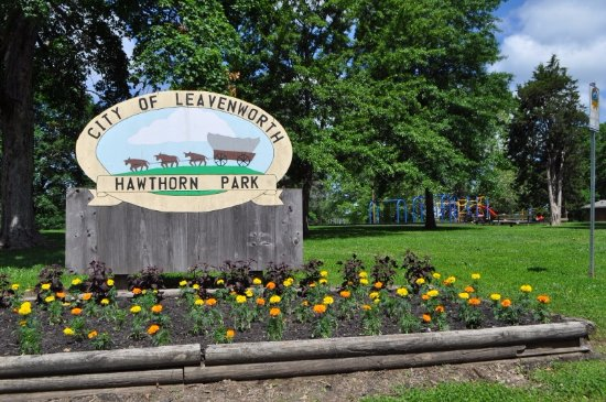 Kansas: Hawthorn Park sign