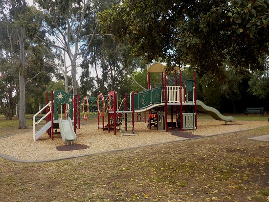 Hawthorn, Australia: Children's playground at Southern end of park