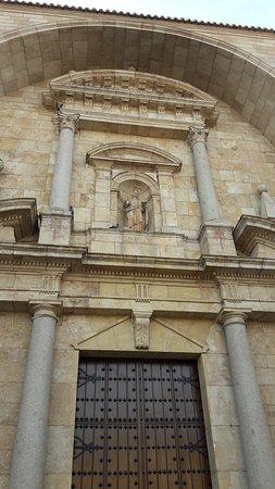 Iglesia de santa catalina la solana 2018 ce qu 39 il - Parroquia santa catalina la solana ...