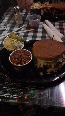 Germantown, TN: Jumbo Pulled Pork Platter