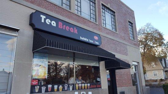 West Hartford, CT: Store Frontage