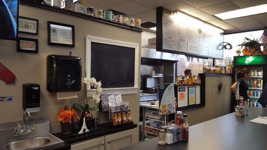 Bloomfield, CT: Open Kitchen