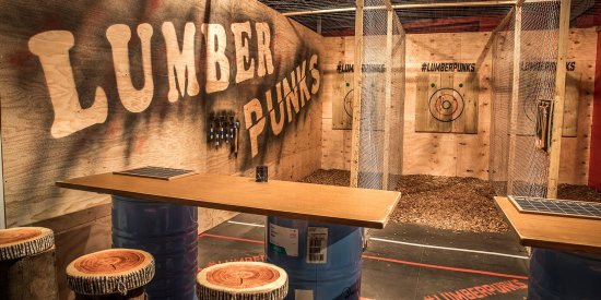 ‪Lumber Punks Axe Throwing‬