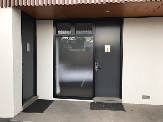 Griffith, Australia: Recently refurbished rooms 1 and 2