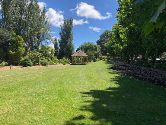Leighton Gardens