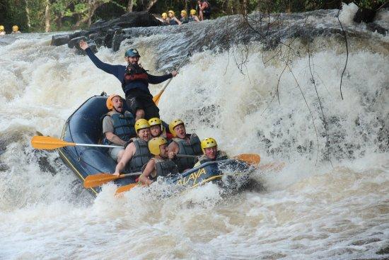 Rafting em Brotas com Alaya, intrutor Fabio Martineli.