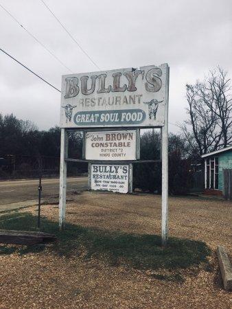 Bully's Restaurant: photo0.jpg