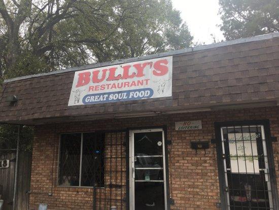 Bully's Restaurant: photo1.jpg