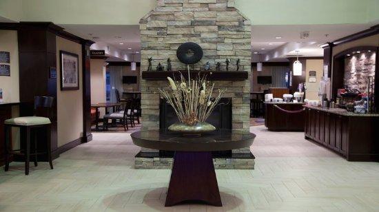 Staybridge Suites Chatsworth: Hotel Lobby