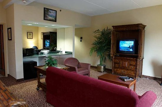 Wooster, OH: Suite