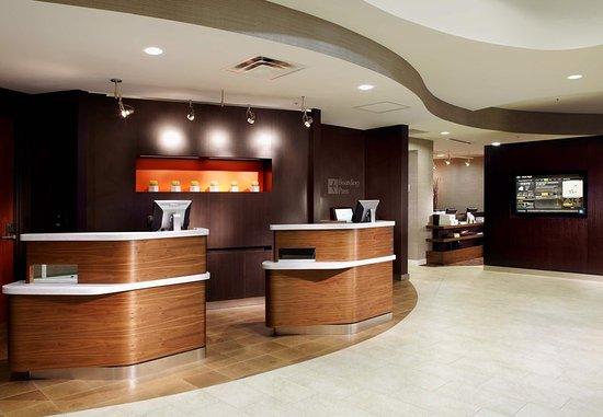 Oldsmar, FL: Front Desk