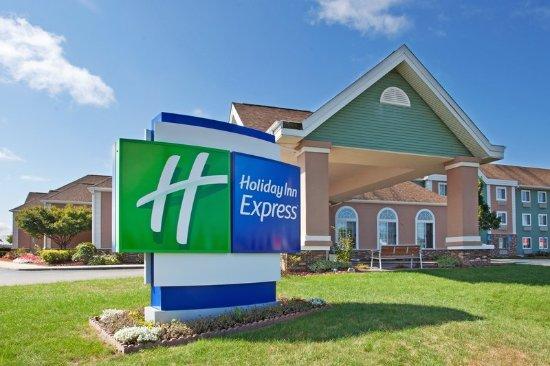 Holiday Inn Express Birch Run (Frankenmuth Area): Hotel Exterior