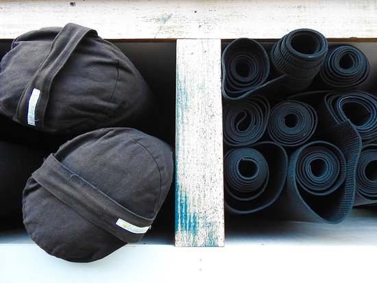 Forster, Australie : Don't worry about bringing a mat. We have it all here for you.