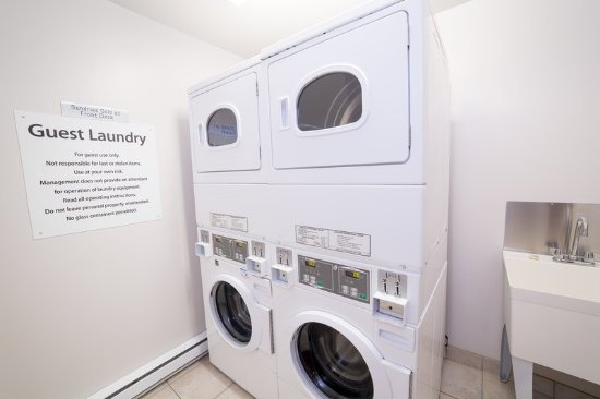 Drayton Valley, Canada: Laundry Facility