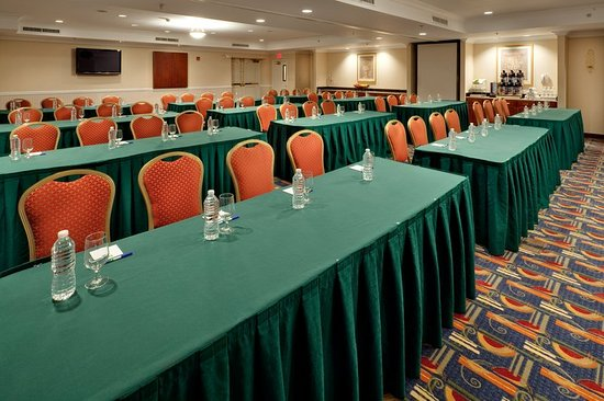 Holiday Inn Express Hotel & Suites Easton: Perfect place for your next professional meeting