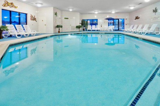 Holiday Inn Express Hotel & Suites Easton: Swimming Pool