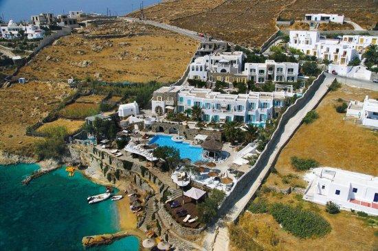 Ornos, Grecja: Beachfront Location
