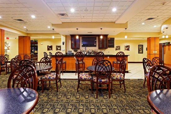 Holiday Inn Odessa: Enjoy breakfast or dinner in the Heritage Restaurant on site!