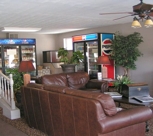 Saint Robert, MO: Lobby