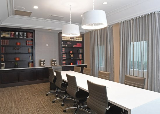 Irving, TX: Private Boardroom for Executive Conferences