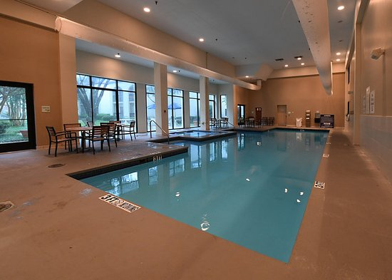 Irving, TX: Indoor Heated Pool & Hot Tub