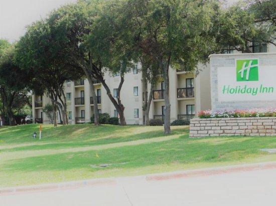Irving, TX: Hotel Exterior