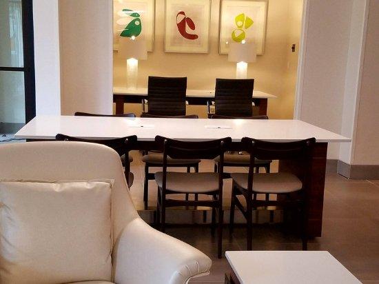 Irving, TX: Modern Decor, Comfortable Seating