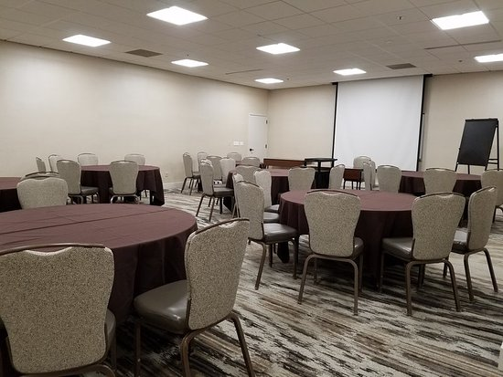 Peachtree City, GA: Conference Room 129 - Set in Rounds
