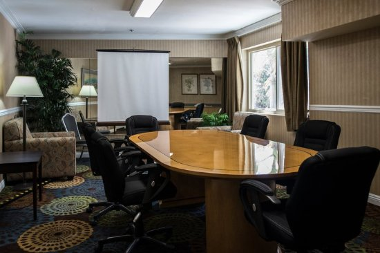 The Volare, an Ascend Hotel Collection Member: Board Room