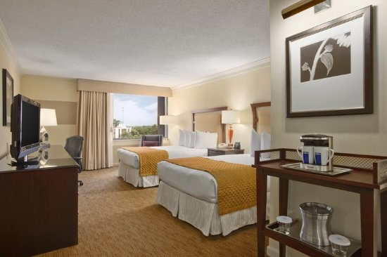 Hilton North Raleigh/Midtown: Two Double Beds Guest Room