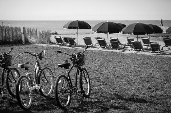 Madison Beach Hotel, Curio Collection by Hilton: Resort Beach